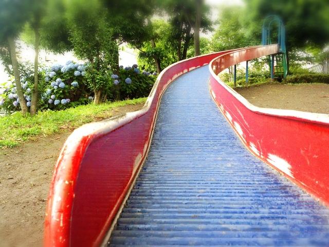 七塚中央公園|かほく市にある石川県最長83メートルのすべり台がオススメ