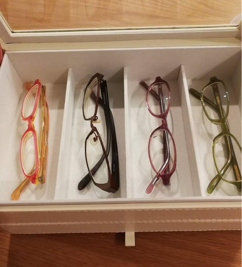 【メガネ好き必見】メガネをキレイに整理できるメガネコレクションケースを購入!