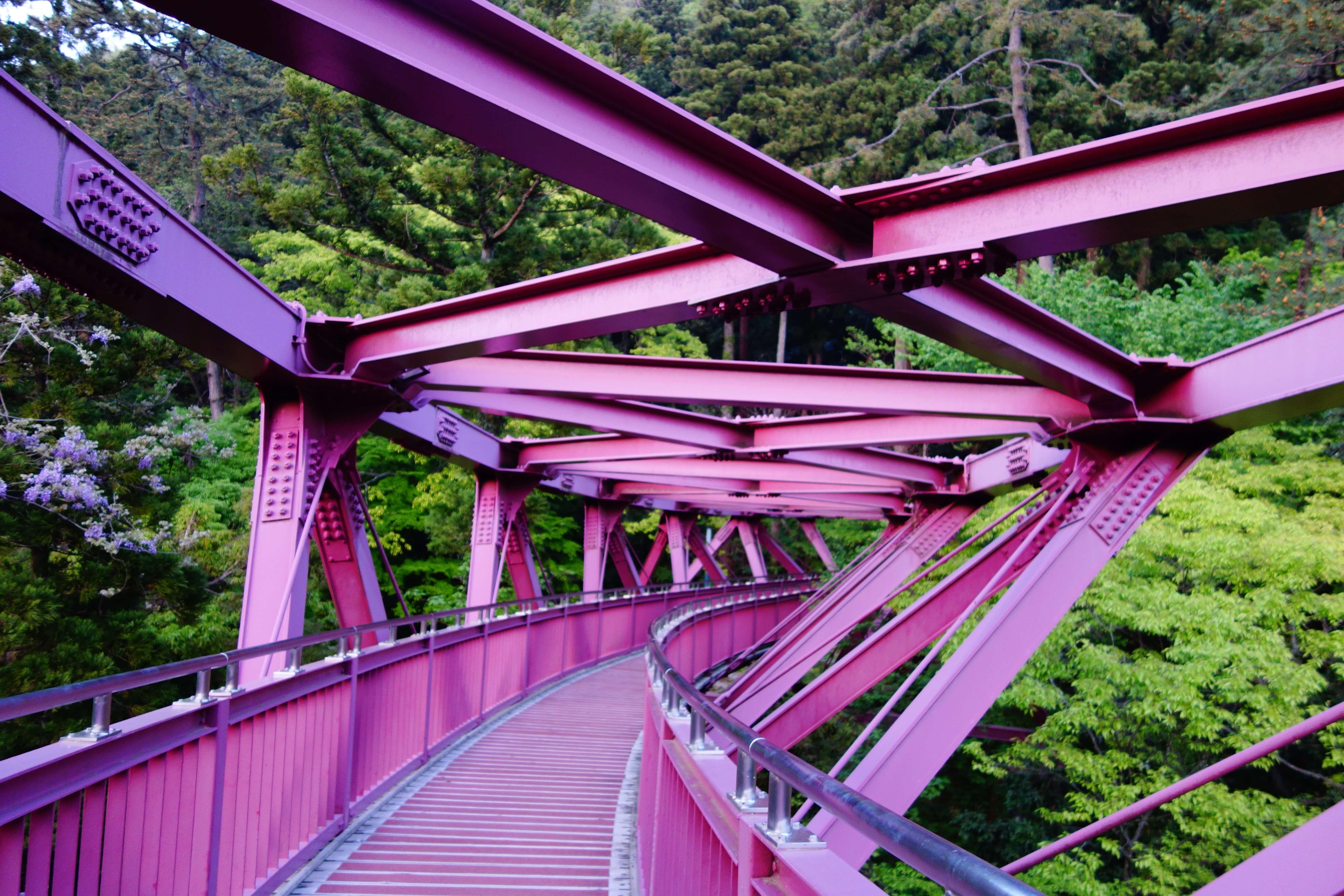 あやとりはし|加賀市にある山中温泉近くのワインレッドの鉄骨橋をご紹介!