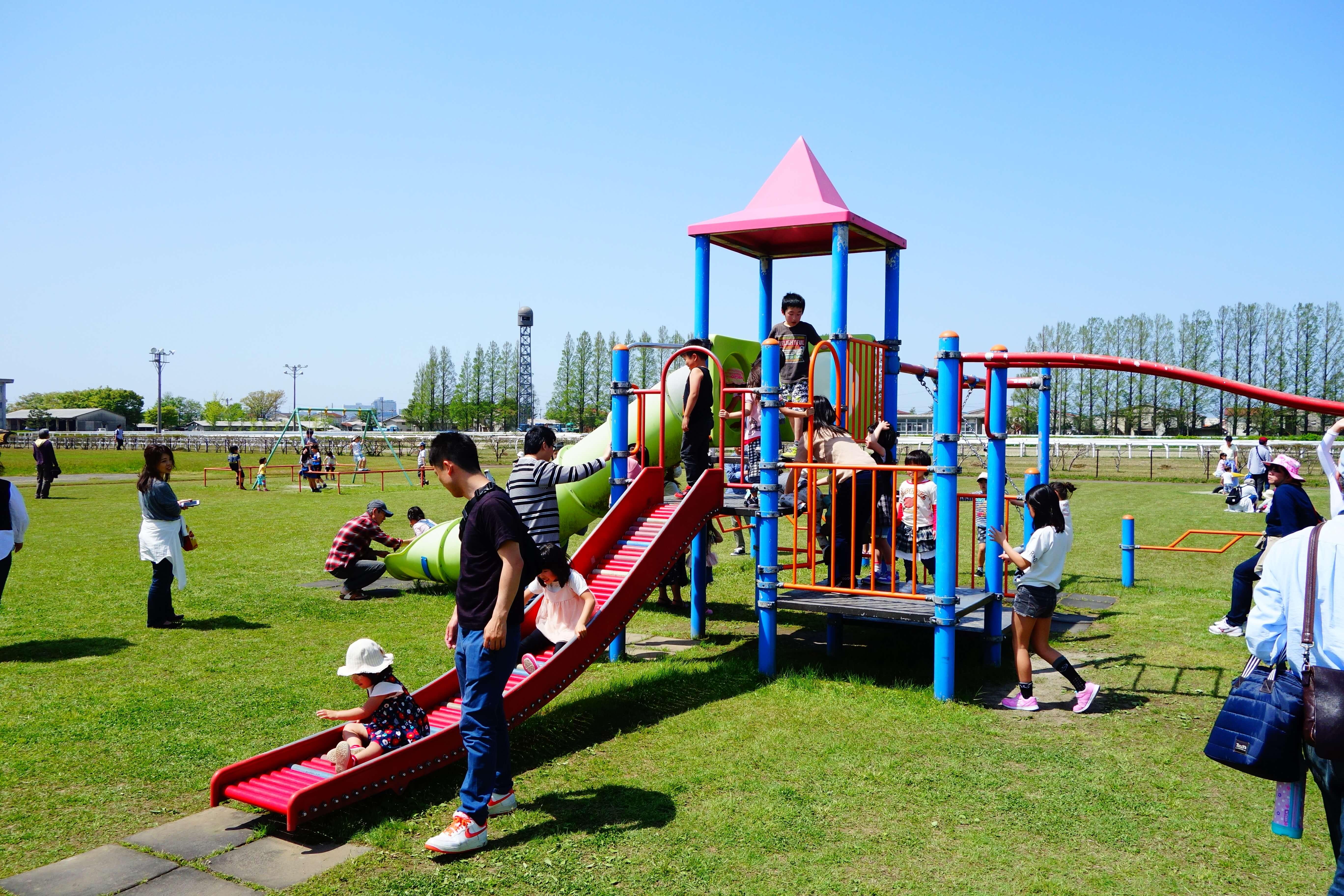 金沢競馬場|金沢市にある金沢競馬場の「ゆうえんち」で子どもも大人も競馬場で楽しもう!