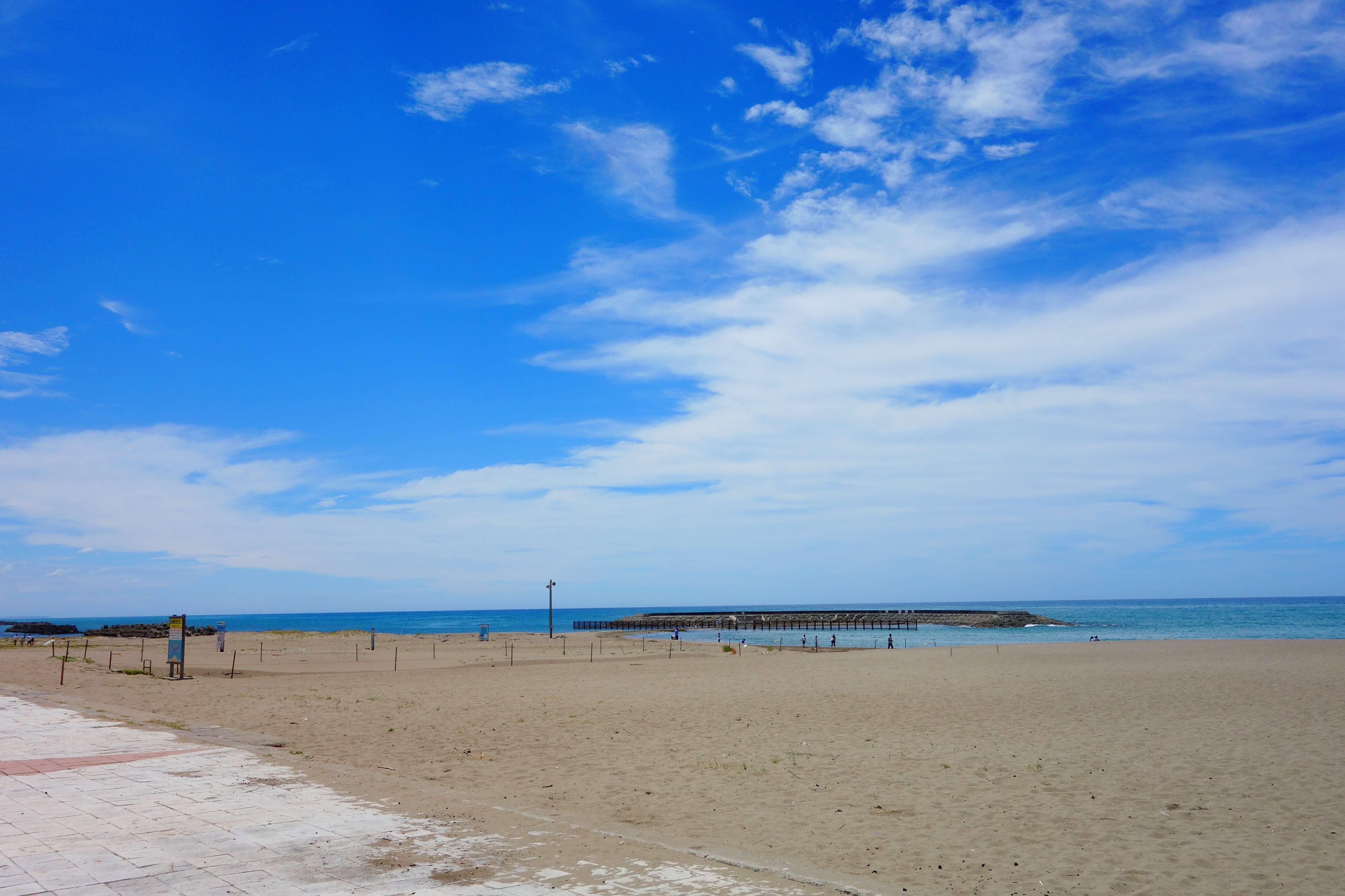 徳光海水浴場青い