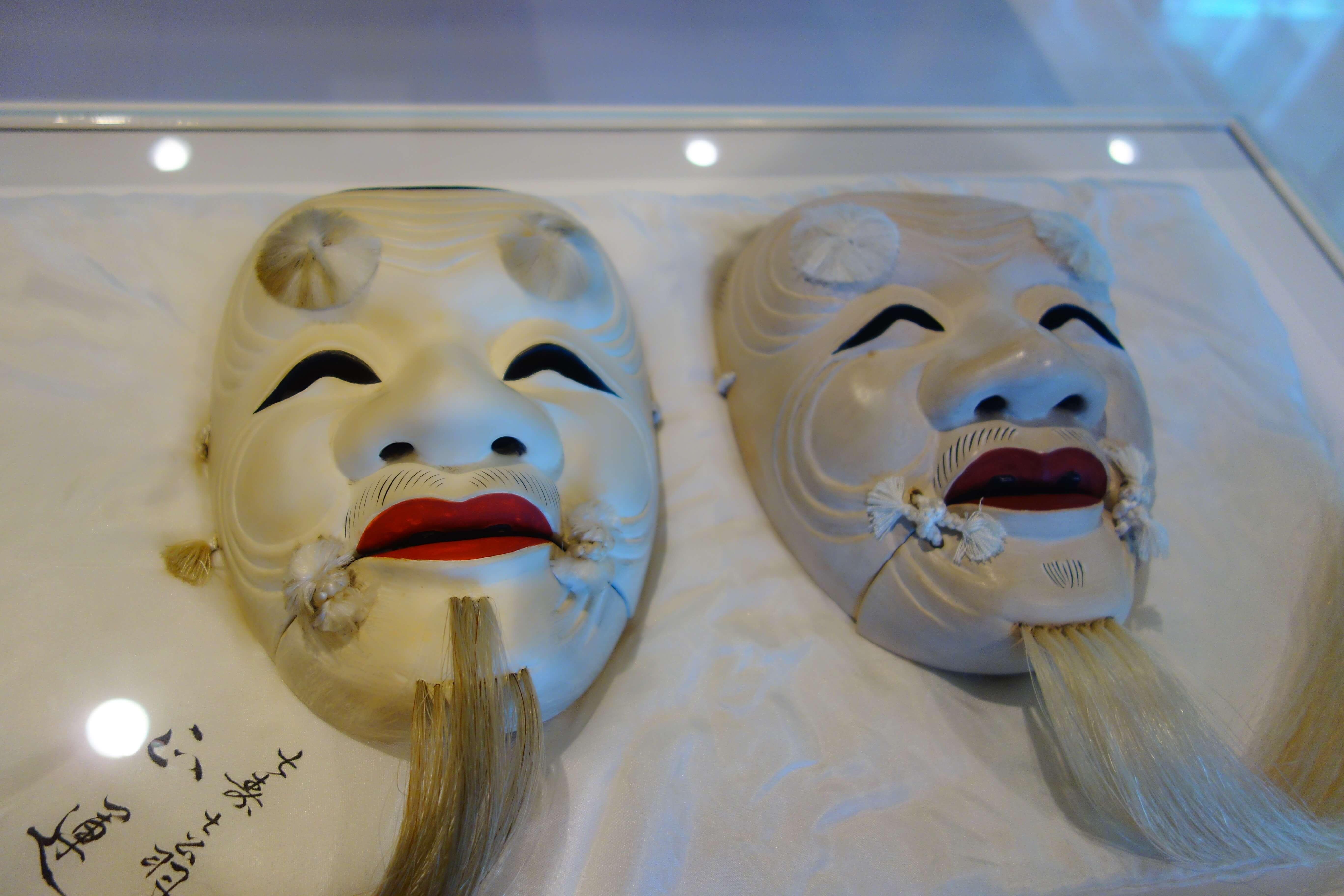 金沢能楽美術館|金沢市で能面と能装束を体験!金沢の歴史を肌で触れよう