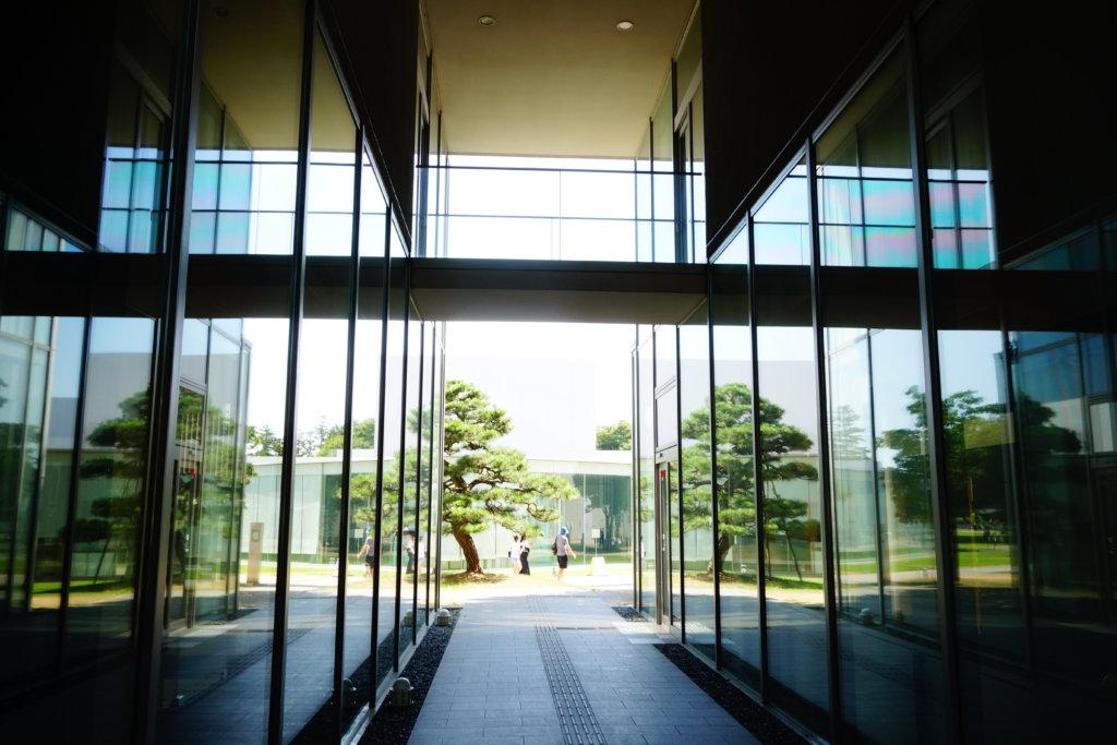 21世紀美術館への通り道
