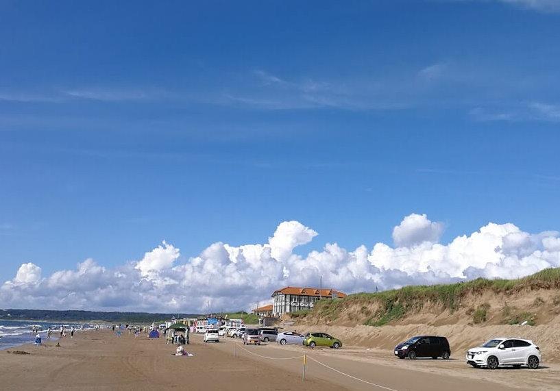 千里浜なぎさドライブウェイ|羽咋市で石川県の観光には欠かせない観光地!砂浜を車で駆け抜ける
