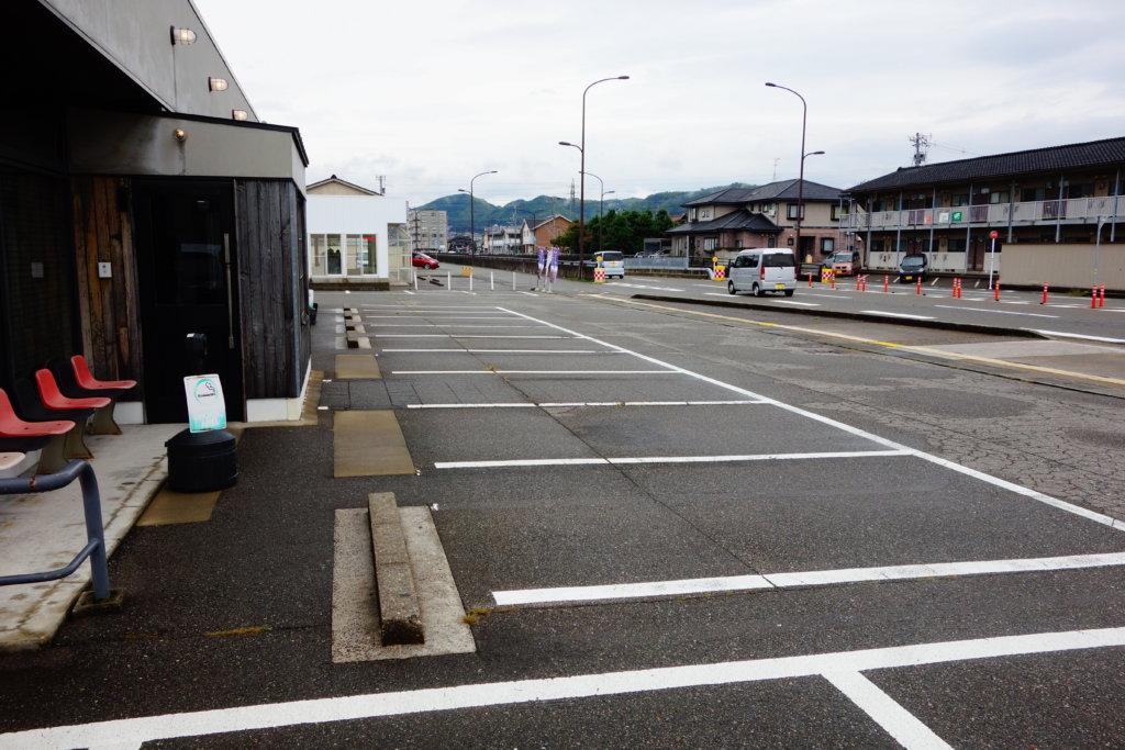 HUM&Go 駐車場