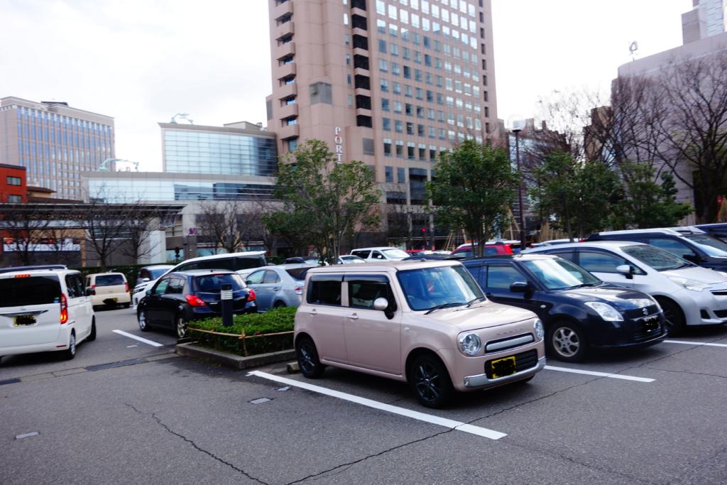 金沢駅東広場自家用駐車場