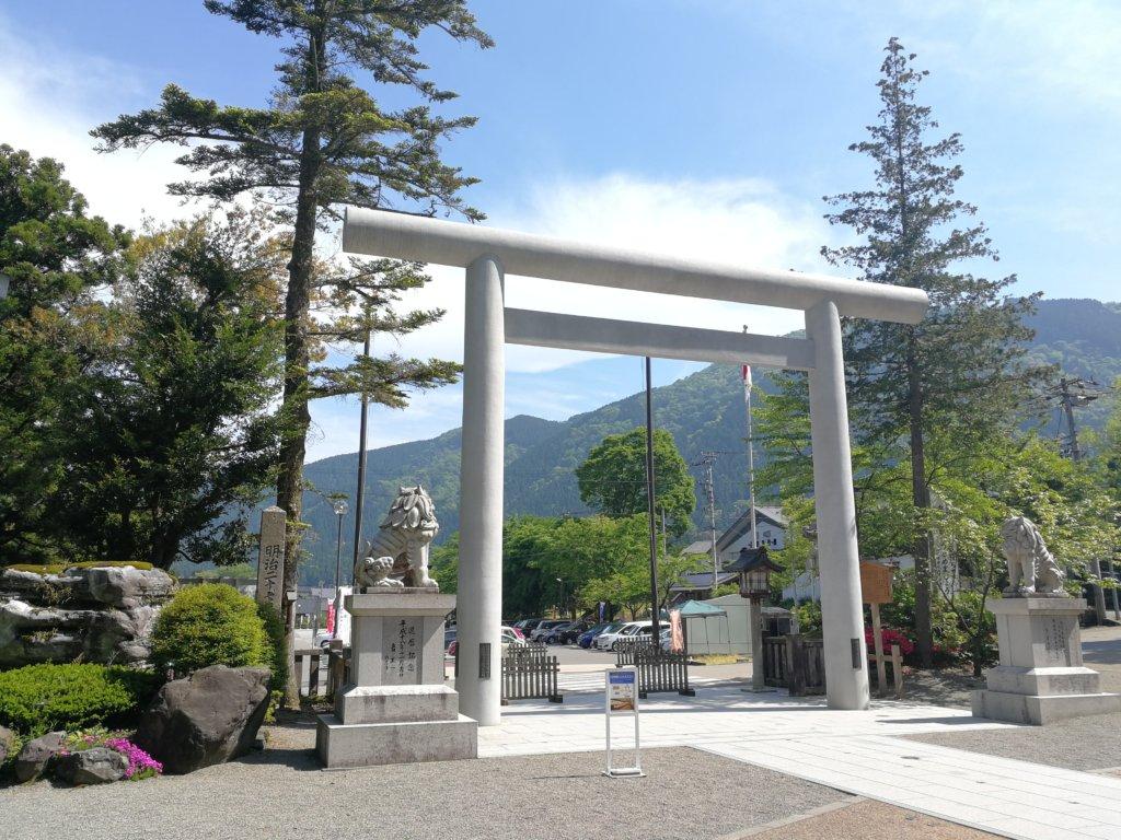 白山比咩神社の外観