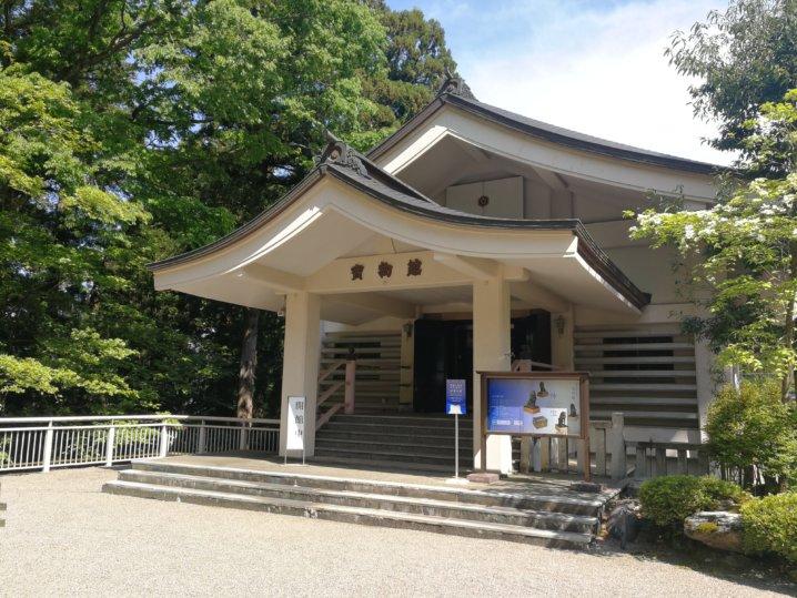 白山比咩神社の宝物館