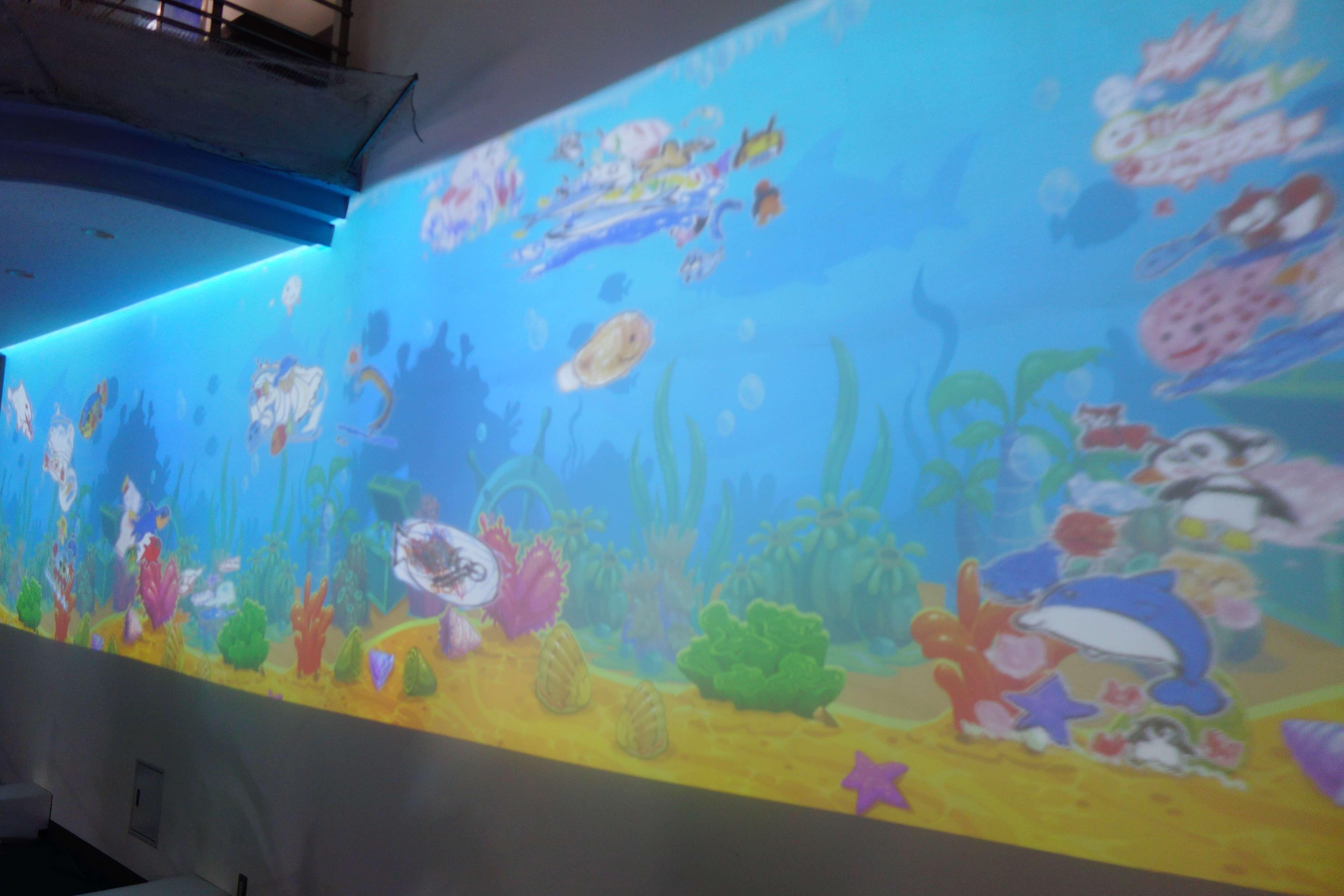のとじま水族館 ペイントアクアリウム|能登の七尾市で自分の描いた絵が泳ぎ出す驚きの体験