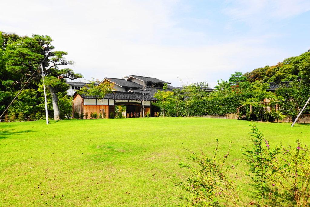 中村記念美術館への散策路