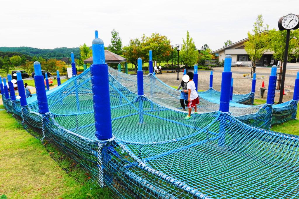 戸室スポーツ広場で遊ぶ子供