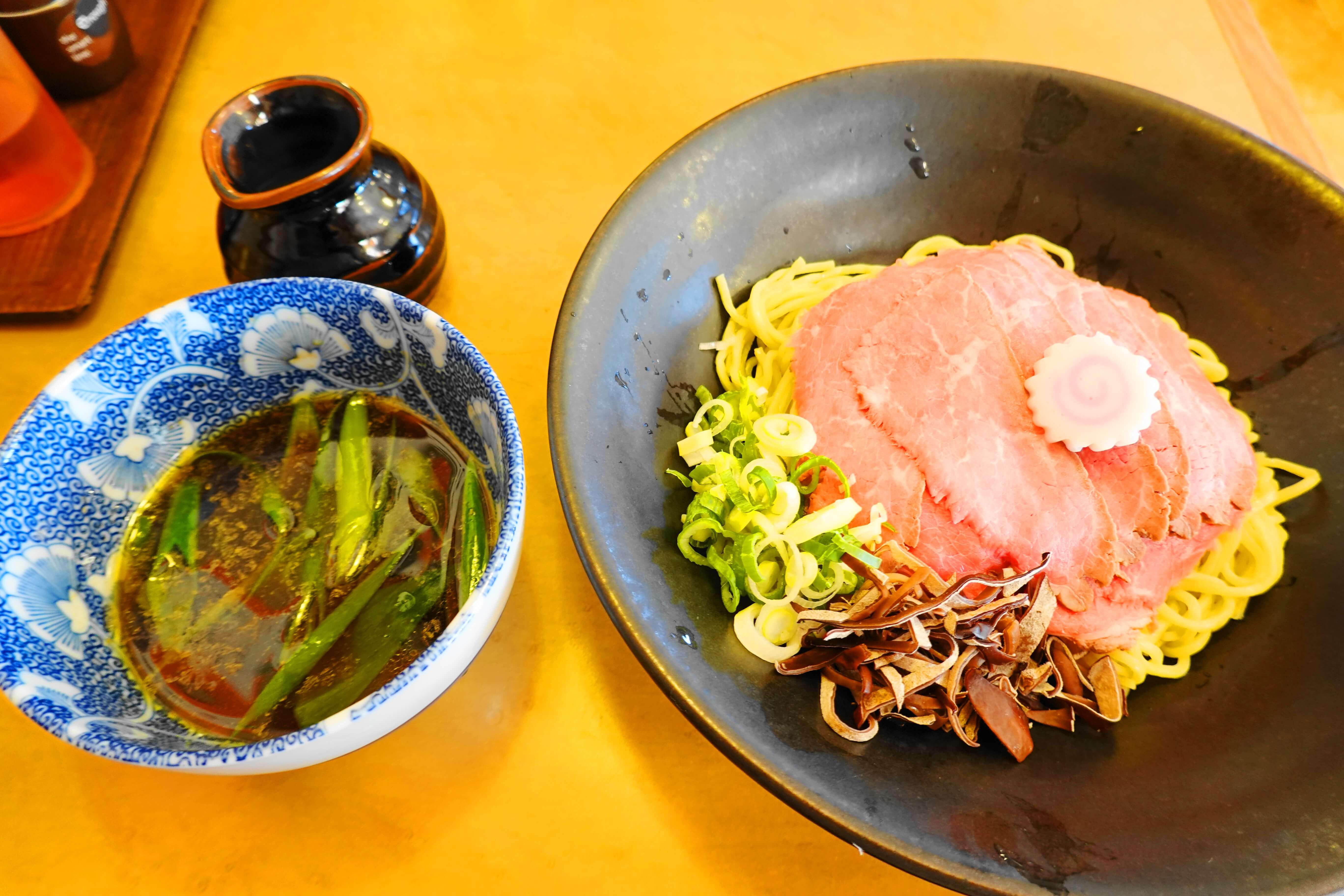 つけ麺職人ラーメン日の出金沢新神田本店|つけ麺のパイオニアでジューシーなお肉を堪能