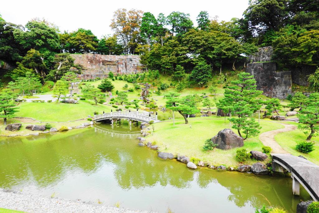 玉泉院丸庭園の全体