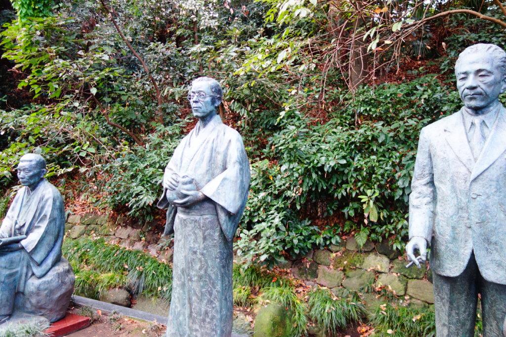 金沢の三文豪の石像