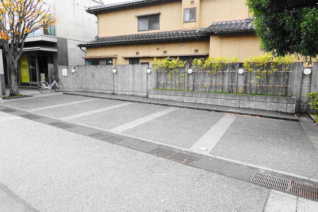 室生犀星の駐車場
