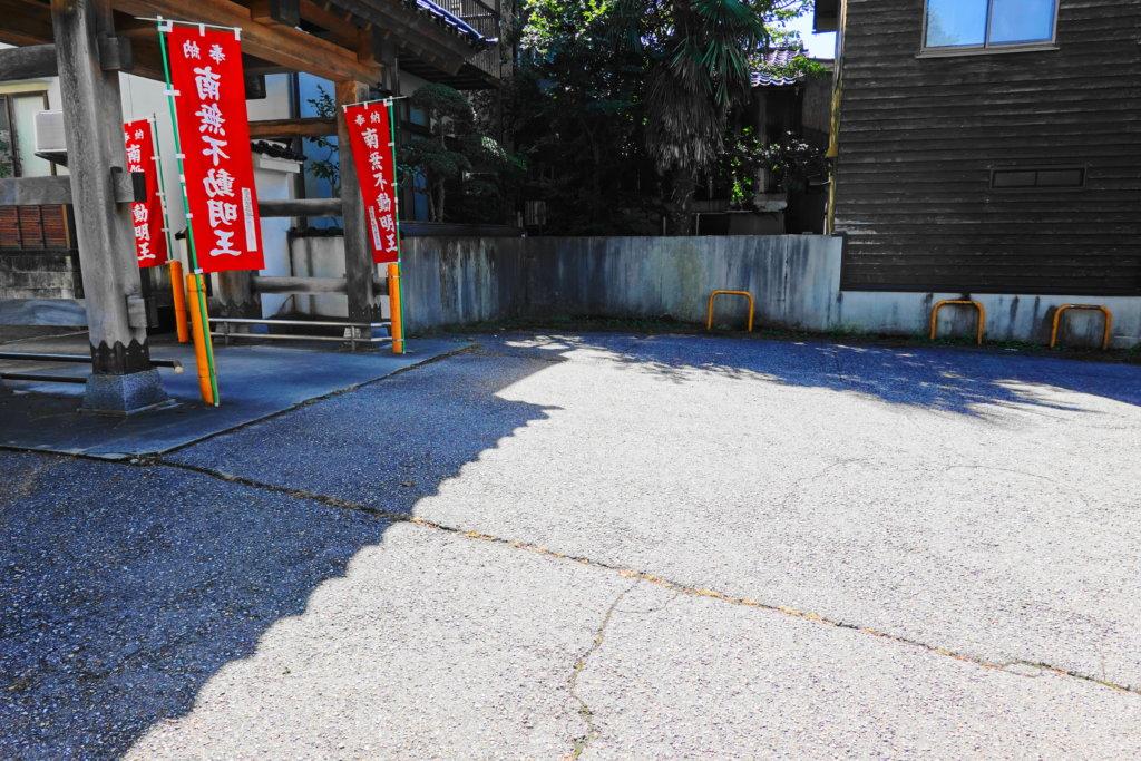 香林寺の駐車場
