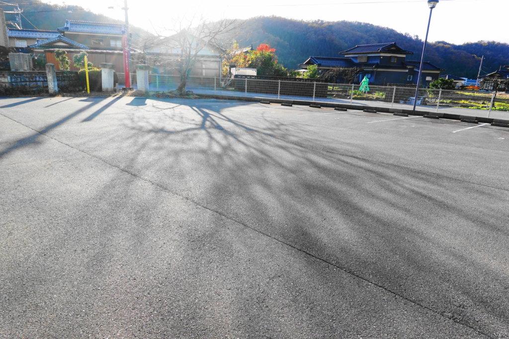 小松市埋蔵文化財センターの駐車場