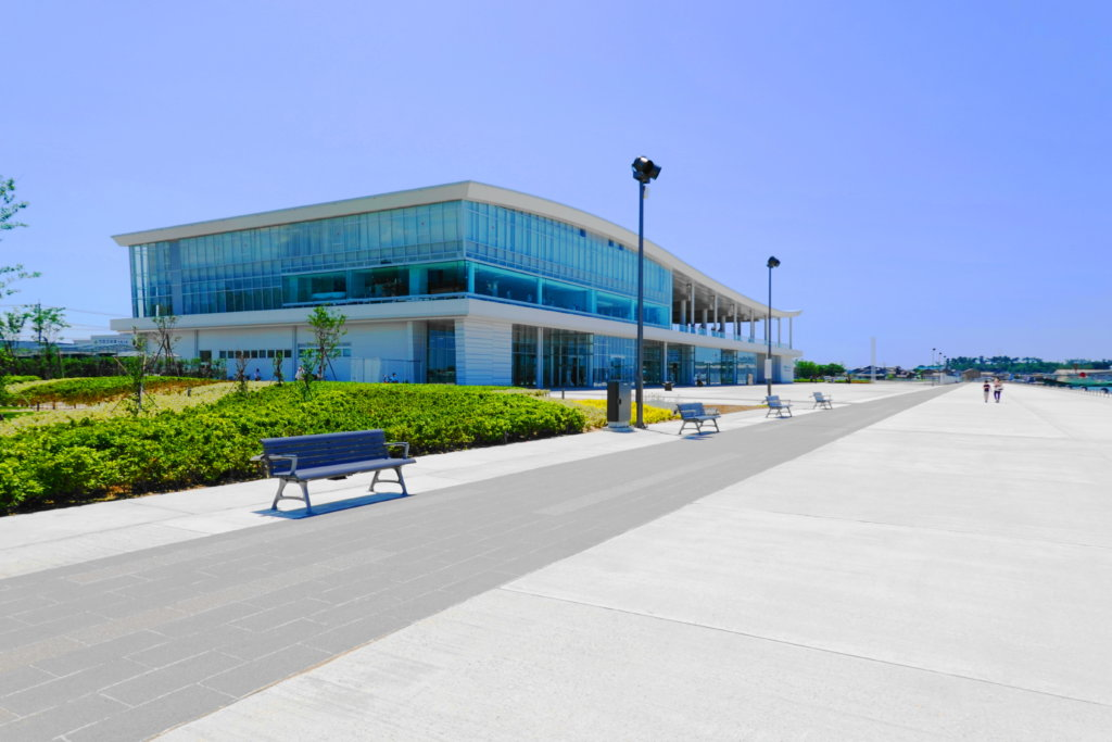 金沢港クルーズターミナルの外観